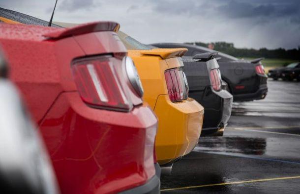 Продажи автомобилей в Санкт-Петербурге падают третий месяц подряд