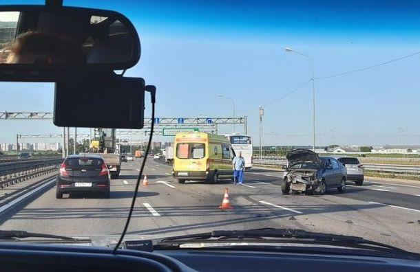 Женщина за рулем Nissan пострадала в ДТП на КАД