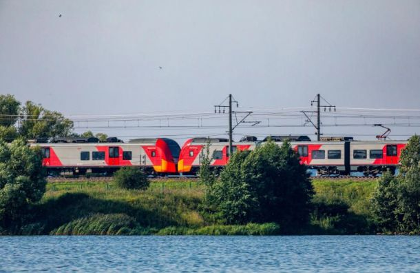 Дополнительные поезда маршрутом Санкт-Петербург-Москва появятся на праздники