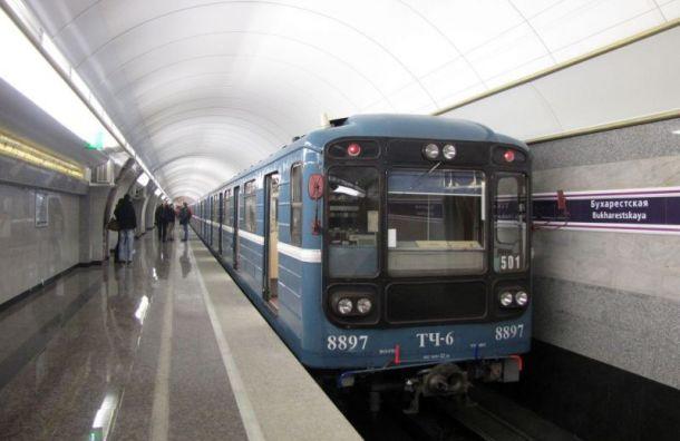 Поездам на двух ветках метро Санкт-Петербурга добавят по вагону