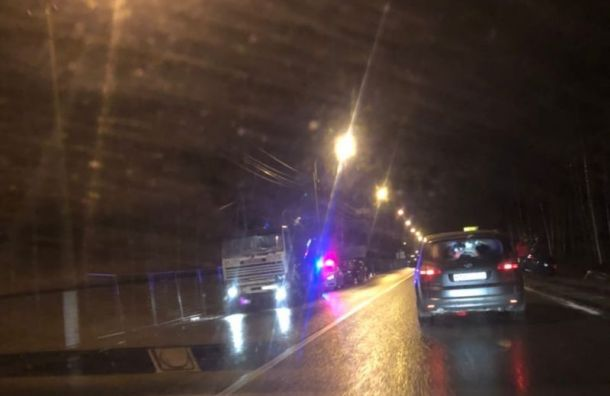 Авария из десяти машин случилась на Белоостровской развязке