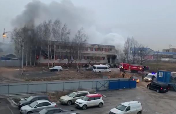 В Шушарах произошел крупный пожар в общежитии для рабочих
