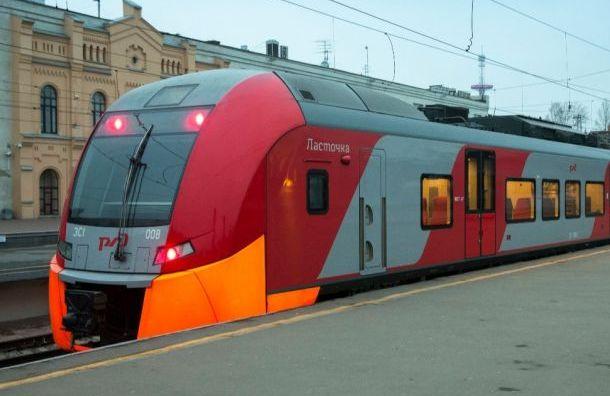 Электрички из Гатчины идут в Санкт-Петербург с опозданием из-за непогоды