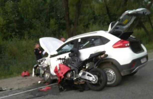 Мотоциклист серьезно пострадал в аварии в Сланцах