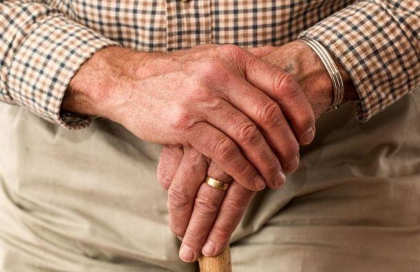 Смольный хочет увеличить среднюю продолжительность жизни петербуржцев