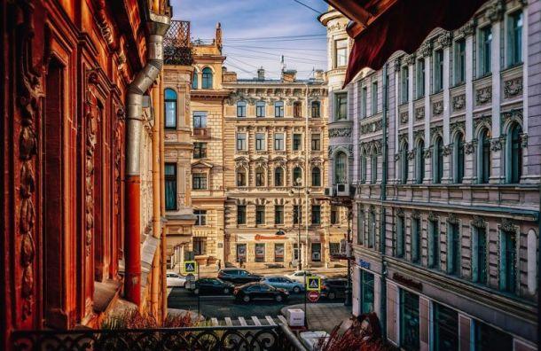 Петербуржцам пообещали теплую среду без дождя