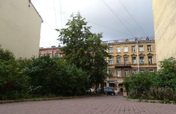 Беглов: город расширит музей Достоевского, не лишая горожан сквера