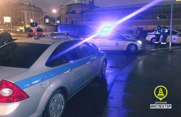 Неадекватный водитель Audi устроил гонки с полицией в центре Санкт-Петербурга