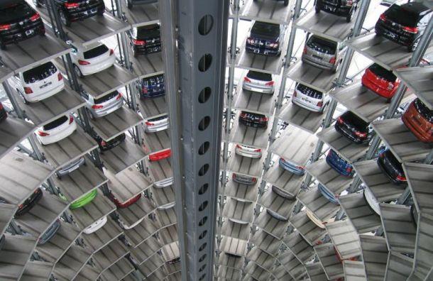 Рынок автомобилей Санкт-Петербурга падает четвертый месяц подряд