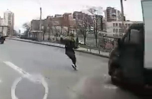 Девушка попала под колеса ГАЗа на Бухарестской ул.