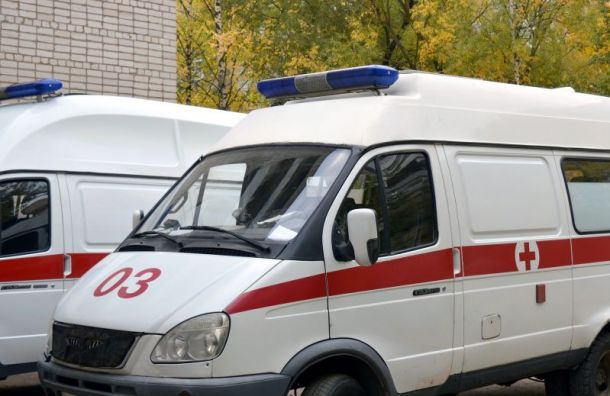 Иномарка совершила наезд на подростка на Среднеохтинском проспекте