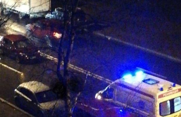Женщина попала под колеса автомобиля в Кировском районе