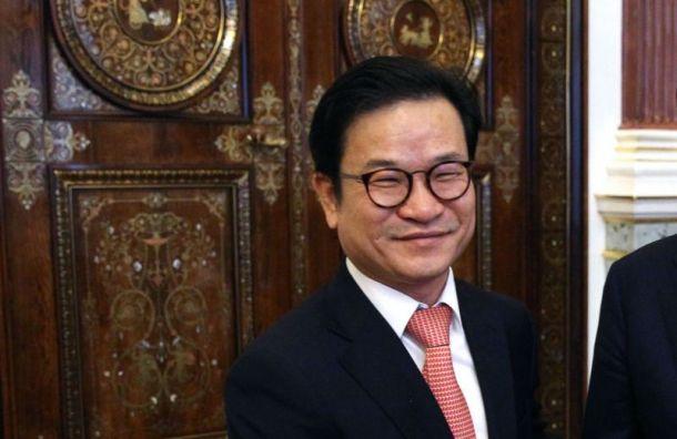 Дипломат из Кореи удивился при виде петербуржца в нижнем белье