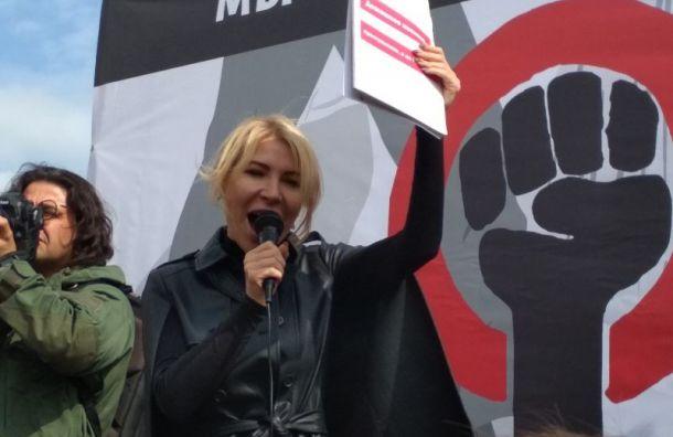 Алена Попова: Лучше вынести из избы сор, чем труп