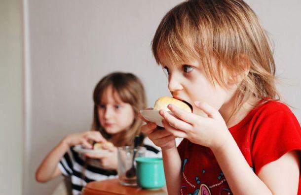 Обеды в петербургских школах подорожают на 6 руб.