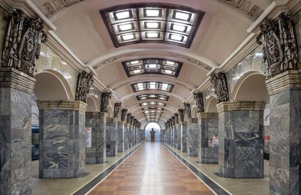 Из-за ремонта эскалатора ограничат вход в вестибюль станции «Кировский завод»