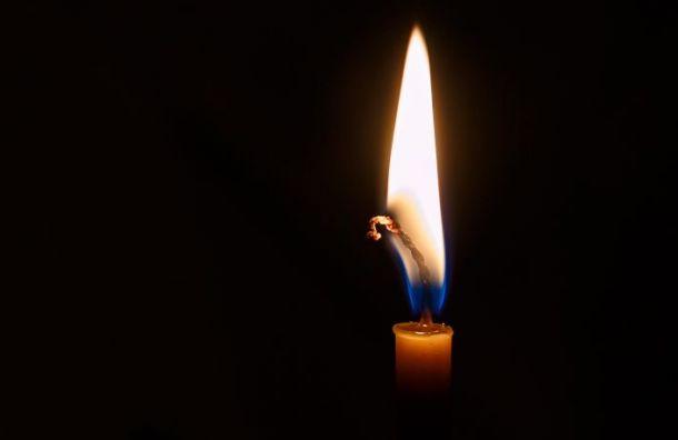 Родные и близкие простились с погибшей в Турции 12-летней Алисой