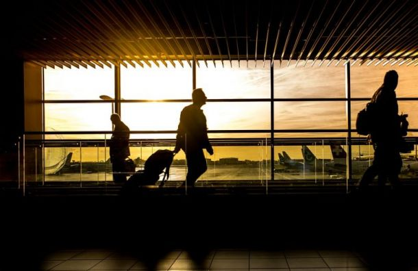Семеро пассажиров Superjet 100 отказались продолжать путь в Санкт-Петербург