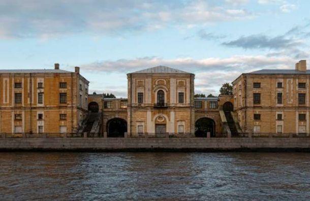 Пеньковые склады на Тучковом буяне стали собственностью Санкт-Петербурга