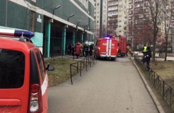После возгорания из школы на Джона Рида эвакуировали 500 учеников