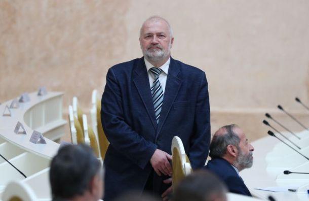 Амосов требует отменить избирательные участки вне Санкт-Петербурга