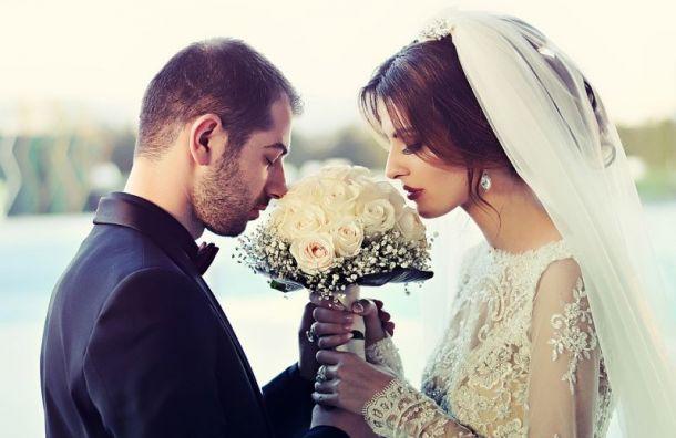 Свыше 900 иностранцев заключили брак в Санкт-Петербурге в 2019 году