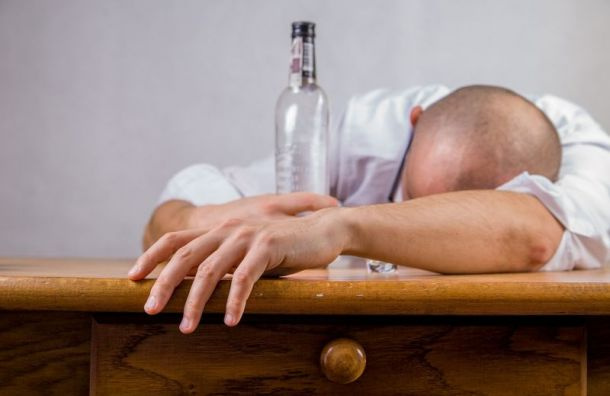 Новый год приветствует высокие цены на водку, коньяк и бренди
