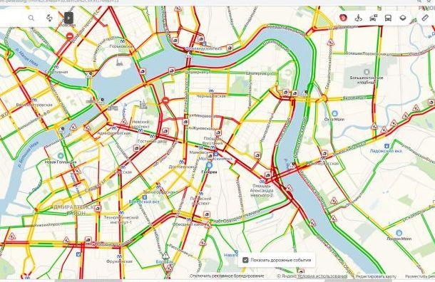 «Красная» пятница: Санкт-Петербург застыл в 9-балльных пробках