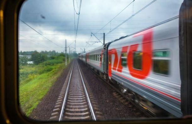 Сломавшийся локомотив задержал поезда между Москвой и Петербургом