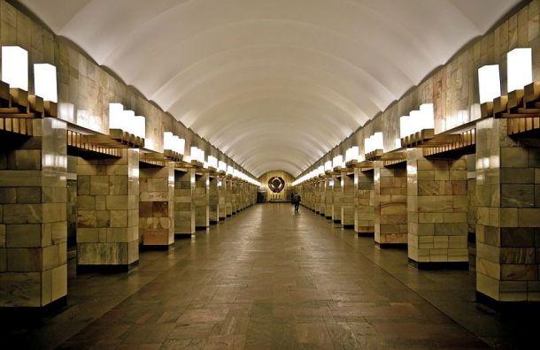 Петербургское метро упростило систему проверки бесхозных предметов