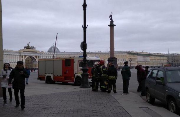 Анонимы «заминировали» в Санкт-Петербурге суды, метро, Эрмитаж и Пулково