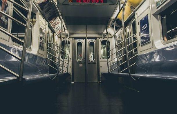 Пассажиропоток в метро Санкт-Петербурга упал с 2,5 млн до 400 тысяч человек в сутки