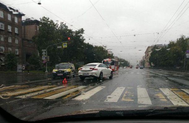 Ливень добавил Петербургу пробок и аварий