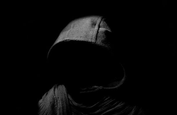 Неизвестный стрелял в петербуржца в Шушарах