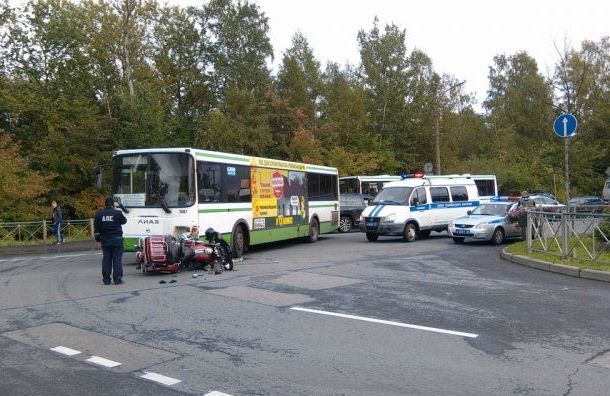 Водитель Harley-Davidson оказался в больнице после ДТП с автобусом