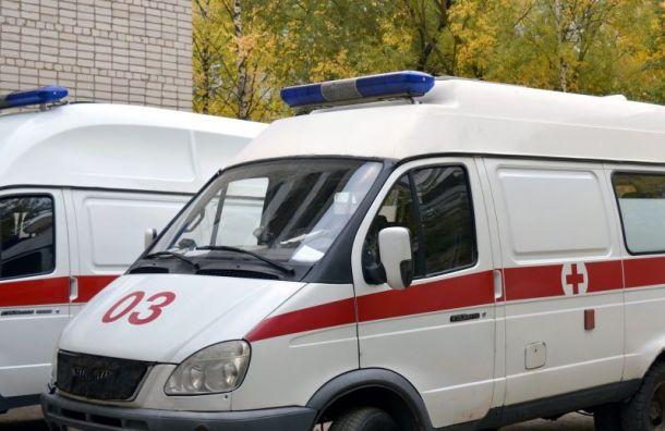 Выходившая из трамвая петербурженка попала под «Газель»