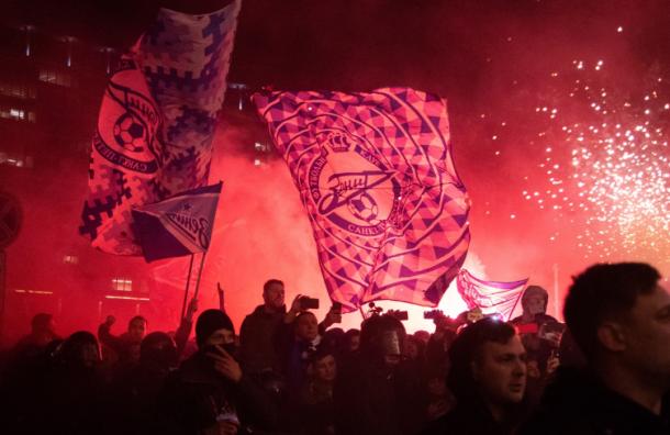Болельщиков «Зенита» задержали в перерыве игры с «Тамбовом»