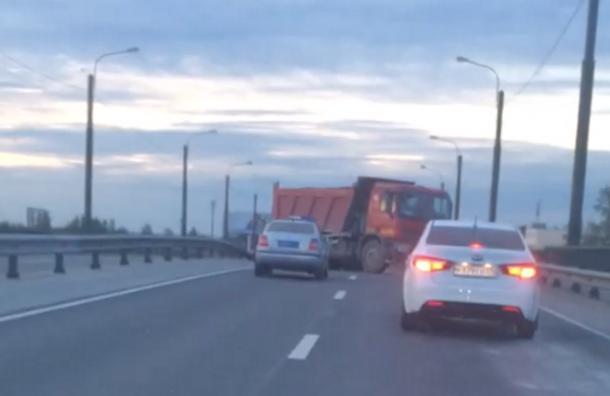 Самсовал перекрыл проезд по Шафировскому проезду