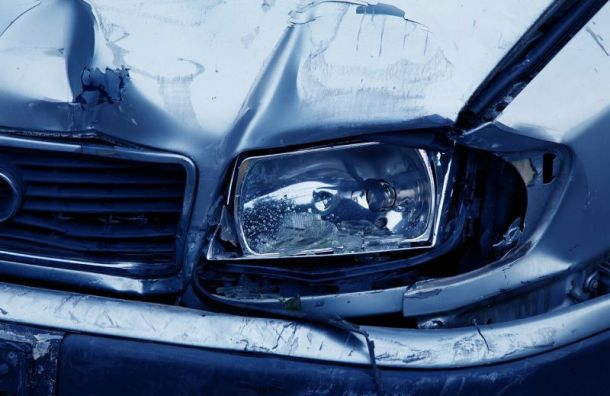Утро начинается с аварии: на Литейном проспекте серьезное ДТП