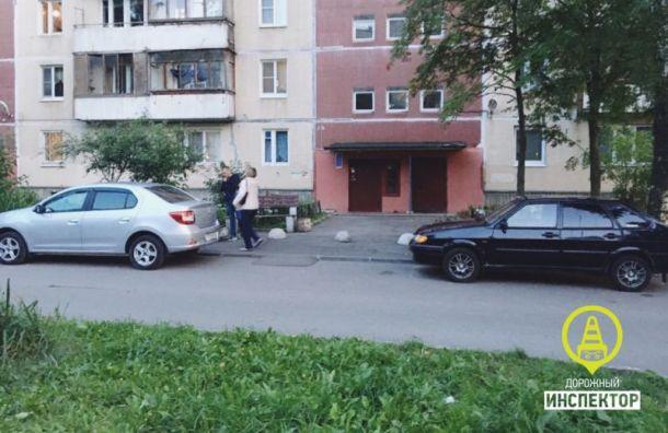 На ул. Десантников иномарка сбила 10-летнего мальчика на самокате