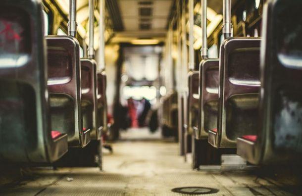 По маршруту Приморского района пустят дополнительные автобусы