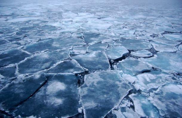 Петербуржцам запретили выходить на лед до 15 апреля