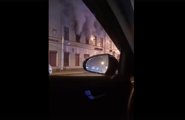 Коммуналка загорелась на Колокольной ул.