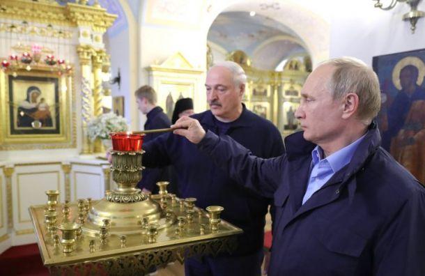 Путин и Лукашенко посетили Коневский монастырь по пути в Санкт-Петербург
