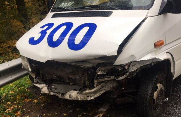Три пассажира маршрутки пострадали в аварии с иномаркой