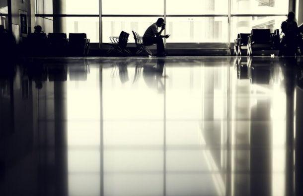 Вылет самолета из Санкт-Петербурга в Москву отменили из-за его неисправности
