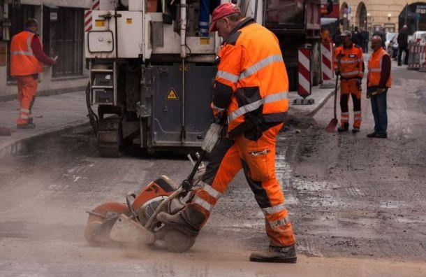 На ремонт дорог в Санкт-Петербурге будут выделять в два раза больше денег