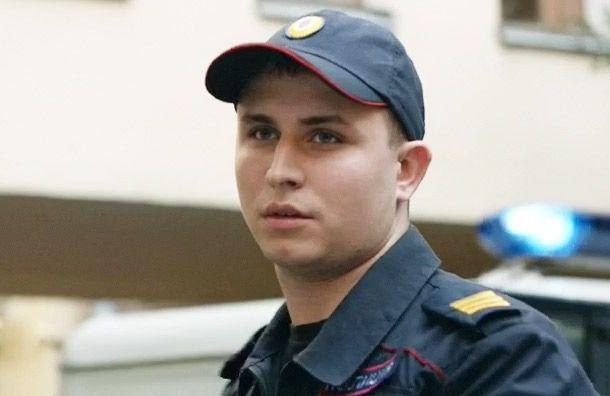 Известного актера избили на остановке в Санкт-Петербурге
