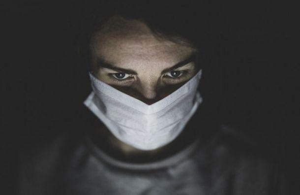 Медикам, заразившимся коронавирусам, заплатят по 300 тысяч руб.