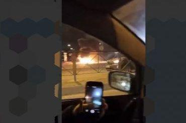 Горящая машина заблокировала выезд с «Лукойла» на Ленинском